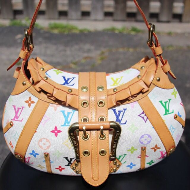 Gorgeous pre-loved Louis Vuitton Leonor Multicoloured Monagram Shoulder Bag. Excellent Condition 9/10. Slight signs of wear on beige leather.   Retail $3100 asking for $1800. 15% off until midnight tonight!!   Visit: www.itsourlittlesecret.ca and click shop now for more details!
