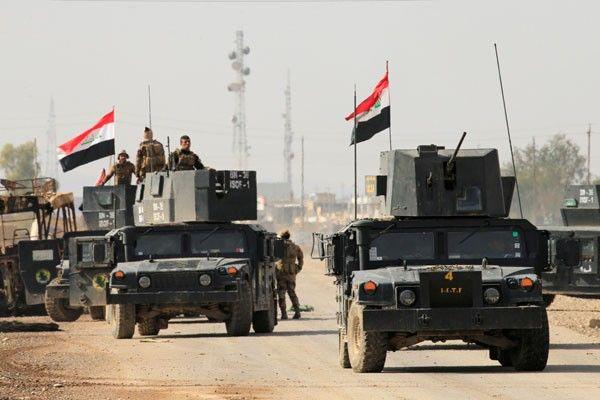Pasukan Irak Dukungan Iran Bergerak Menuju Perbatasan Suriah  Pasukan Irak dukungan Syiah Iran  SALAM-ONLINE:Pasukan paramiliter Irak dukungan Syiah Iran pada Ahad (28/5) mengatakan telah mengusir ISIS dari sejumlah desa di Mosul barat dan selanjutnya menghasilkan kemajuan lebih jauh bergerak menuju perbatasan Suriah.  Desa-desa yang diklaim diambil oleh pasukan Irak yang dikenal dengan Popular Mobilization Forces (PMF) adalah desa Kojo tempat di mana militan Isis disebut menculik ratusan…