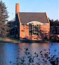 Nel 1991 inaugura la Ohrstrom Library a Concord, New Hampshire