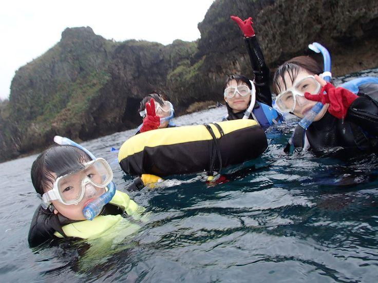 おばあちゃんも孫と一緒に青の洞窟へ! - http://www.natural-blue.net/blog/info_533.html