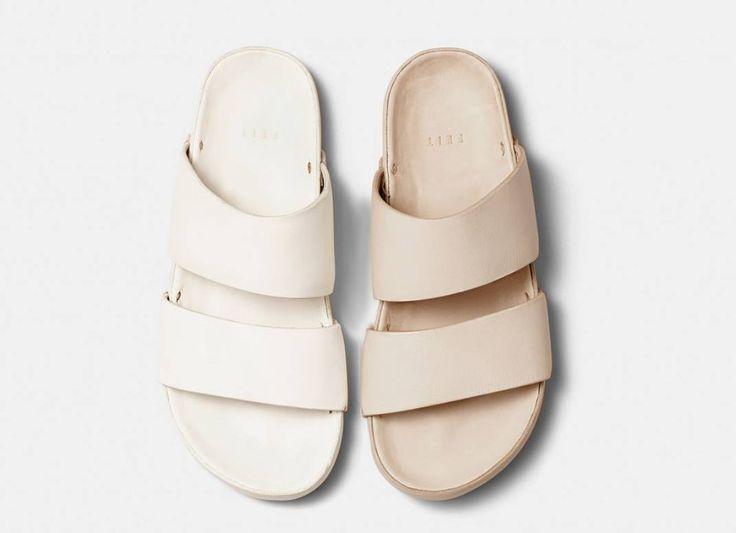 Nur der Sommer fehlt: Sandaletten mit Hand-geformten Fußbett aus Kork und Naturlatex. Hier entdecken und shoppen: http://sturbock.me/p8D