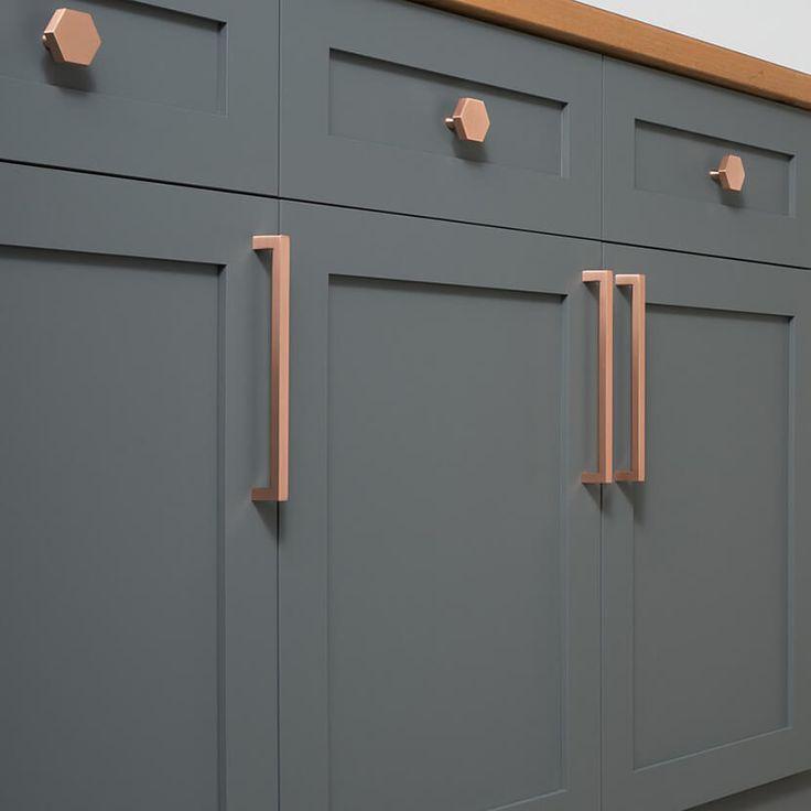 Image of: Brushed Bronze Cabinet Pulls Modern