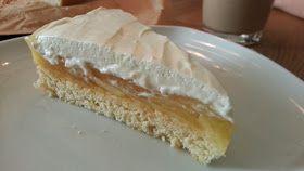 der kuchenbiker: Apfel-Biskuit-Kuchen mit einem Käse-Sahne-Topping