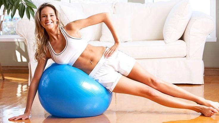 Ak nechcete nosiť jednodielne plavky, pusťte sa do cvičenia spolu s nami. Poradí vám osobný tréner!