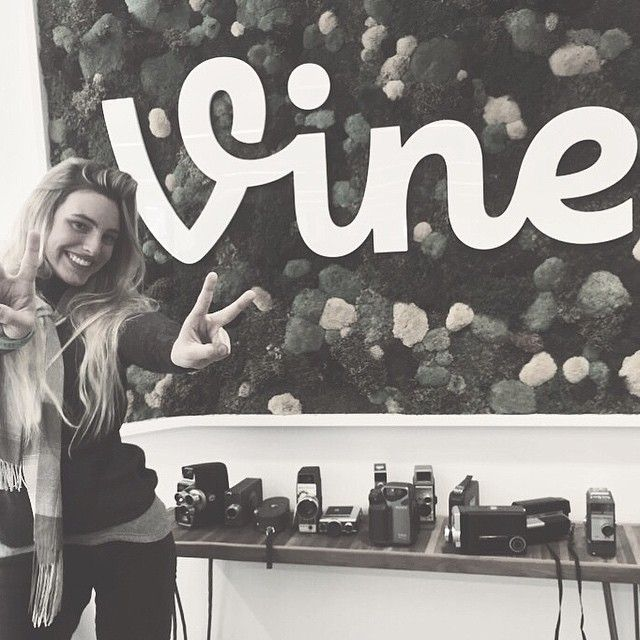 """VINE  #meeting"""