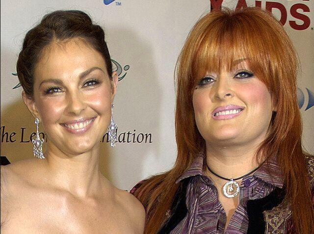 10 Times Jennifer Lopez's Boyfriend, Casper Smart, Acted ...