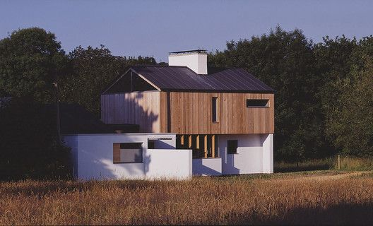 Built by John Pardey Architects in Burley, United Kingdom John Pardey Architects sent us this great second house on the village of Burley, England. The concept was based on th...