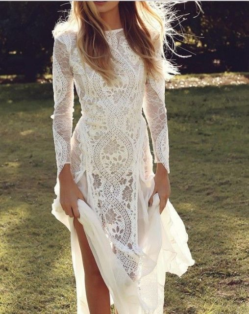 We can make theunderneath lining of this dress in different colors (nude or whit…