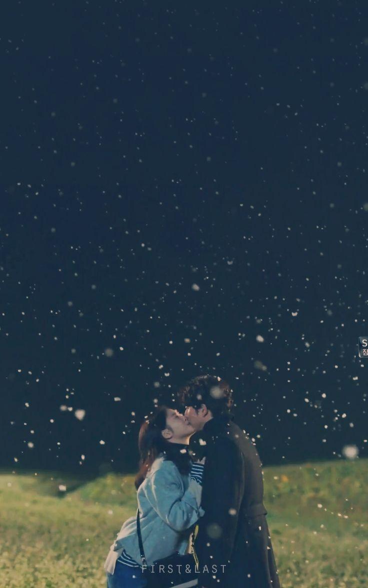 너와 함께한 시간 모두 눈부셨다 날이 좋아서, 날이 좋지않아서 날이 적당해서 모든 날이 좋았다  Every moment I spent with you...shined Whether the day is good, The day is not good, The day is good enough, I loved every moment of it.