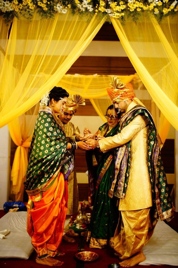 kanyadan - candid wedding photography - marathi wedding