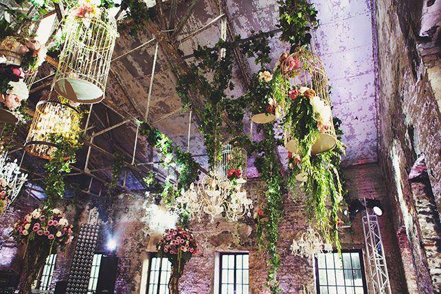 Ужин после венчания в стиле Dolce&Gabbana, декор свадьбы от Юлии Шакировой, декор зала, декор потолка, клетки