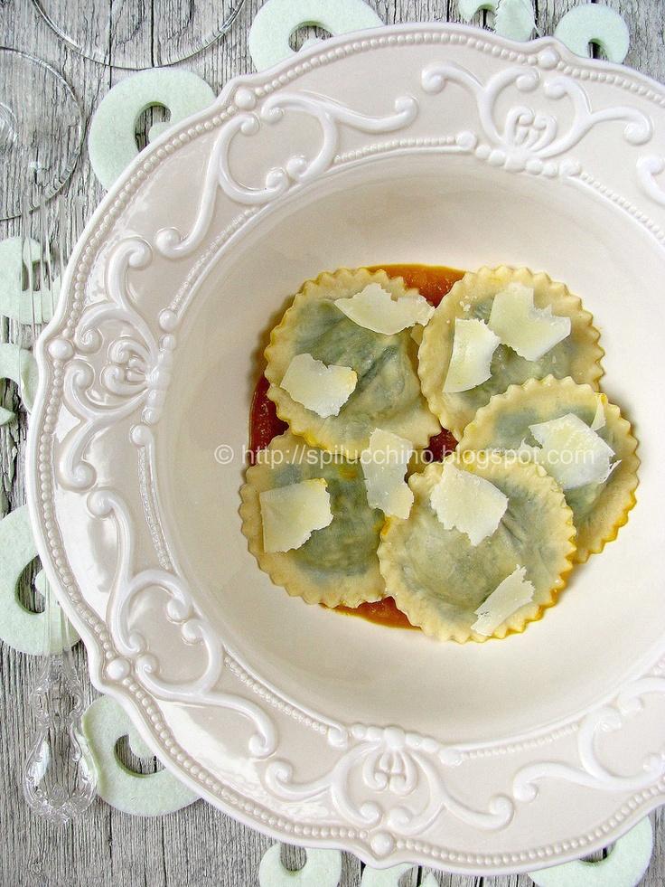 Ravioli di cavolo nero e castagne su crema di zucca              #recipe #juliesoissons