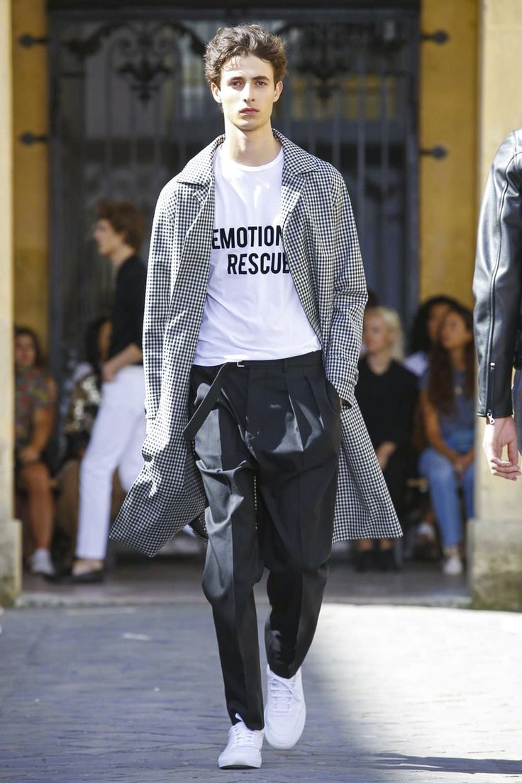 Officine Generale Menswear Spring Summer 2018 Paris Fashion Inspo Pinterest
