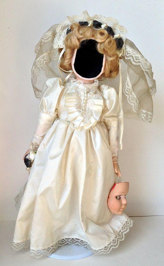 Creepy Doll Johana the Faceless Bride Figure by DustyRemnants