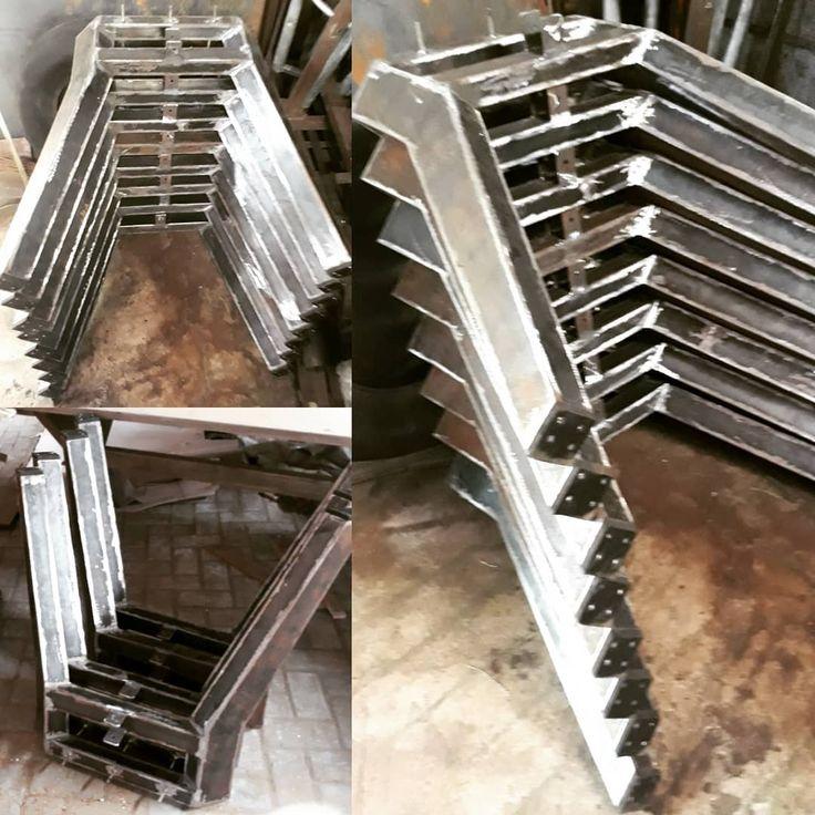Iron Leg Dining Table #furniture #mebel #meuble #indoors #outdoor #indoorfuniture#outdoorfurnitures #welding#workshop#loft #handmade#bengkel #bengkellas #iron #ironleg#kakibesi #