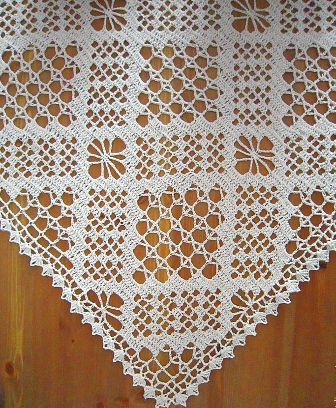 Geometric crochet runner