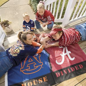 aurburn alabama football quotes and photos | ... img4.southernliving.com/i/2008/08/house-divided/auburn-alabama-m.jpg
