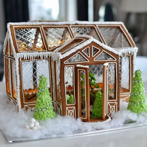 Gingerbread Greenhouse. Amazing!!
