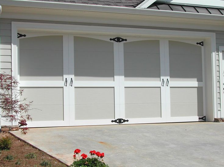 Best 25 Carriage Garage Doors Ideas On Pinterest Garage