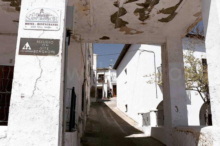 In de Sierra Nevada kun je ook naar berghutten wandelen. #willemlaros.nl #flickr #photography #travelphotography #traveller #canon #snpnatuurreizen #canon_photos #fotoreis #travelblog #reizen #reisjournalist #travelwriter#fotoworkshop #reisfotografie #landschapsfotografie #follow #alpujarras #capileira #granada #spanje #cameranu #fb