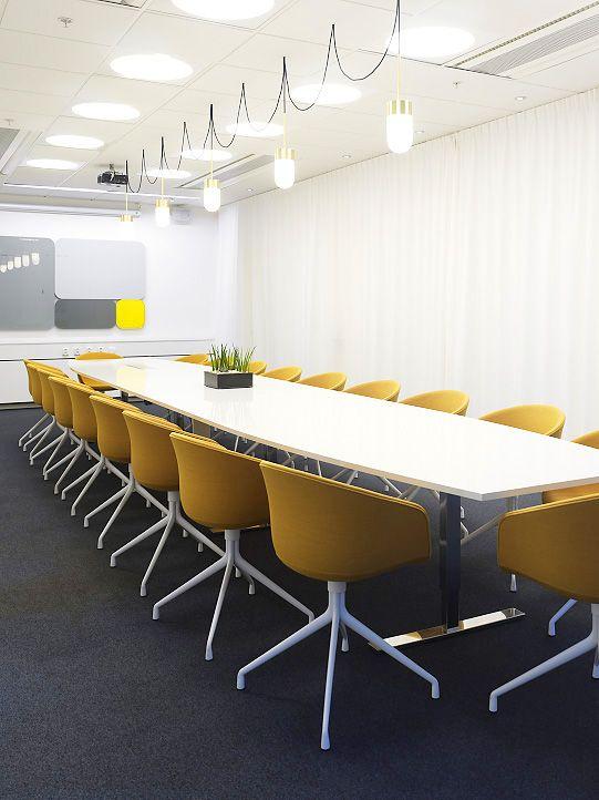 Yellow Office       Sala Juntas