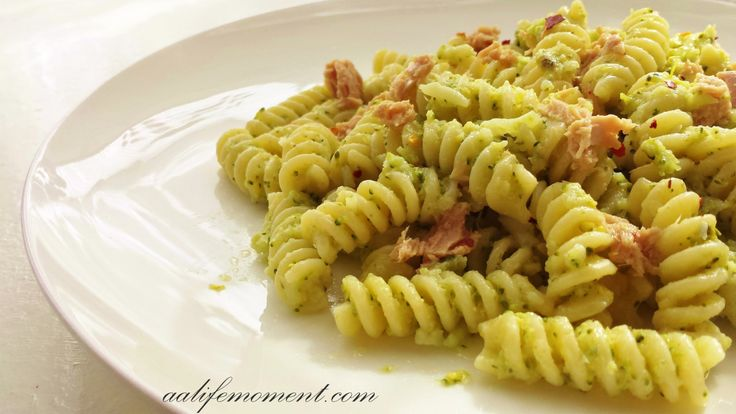 Broccoli Pesto Sauce Pasta Recipe with Tuna and Chili :)