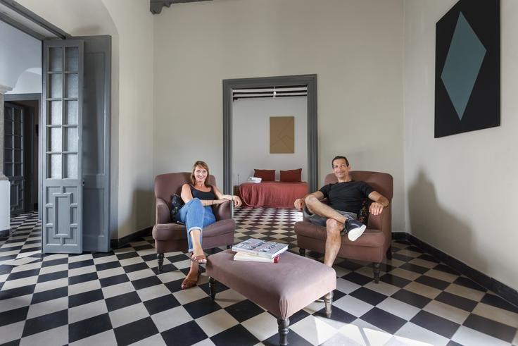 Jolanthe y Ramon tras la sesión de un palacete en Tarifa.