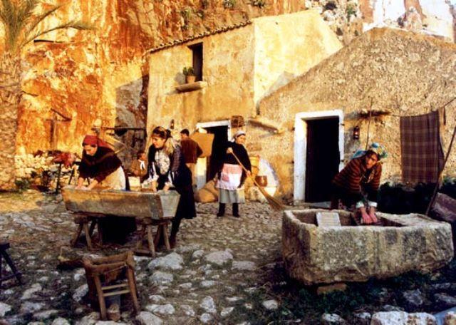 living nativity scene custonaci
