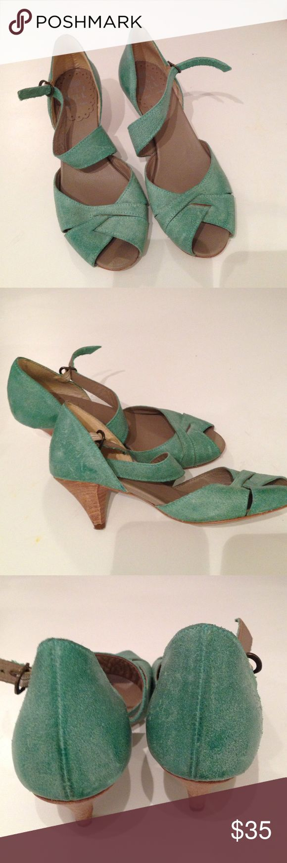 ITALIAN MADE LILLIMILL BLUE-GREEN SANDALS Made in Italy. .. Wooden heels..pretty blue-green sandals. They are 100% Leather.. and it's made to have a slightly speckled finish. In great condition. LILLIMILL Shoes