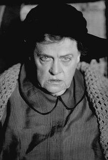 Marie Dressler - a fantastic character actress, received her Best Actress award in 1930