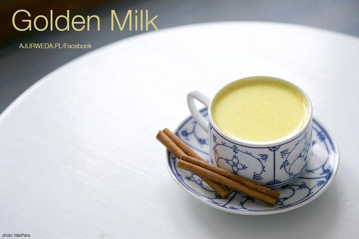 Złote mleko  1 kubek mleka 1/4 łyżeczki kurkumy 1/4 łyżeczki kardamonu sproszkowanego 1/4 imbiru sproszkowanego 1/4 cynamonu  Przyprawy wsypujemy do mleka i gotujemy na małym ogniu ok 3 minut. Pijemy ciepłe, można dodać miodu. Doskonałe na przeziębienia.  https://www.facebook.com/134889453257965/photos/pb.134889453257965.-2207520000.1426173962./408911939189047/?type=3&theater