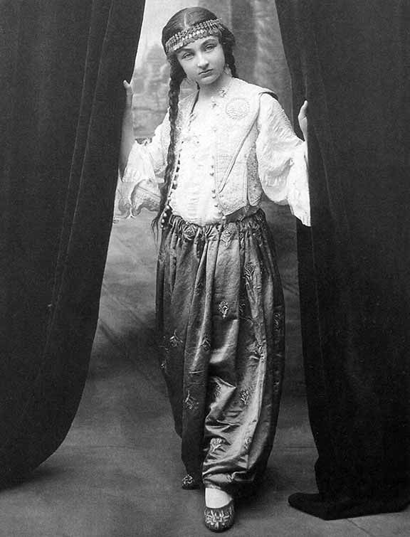Daughter of the Last Caliph -   Durrusehvar, daughter of the last Caliph of the Ottoman dynasty, circa 1920. Oriental fashion and design heavily influenced Western clothing and jewelry during the 1920s. Headbands similar to this one were worn by fashionable women throughout Europe and the United States.
