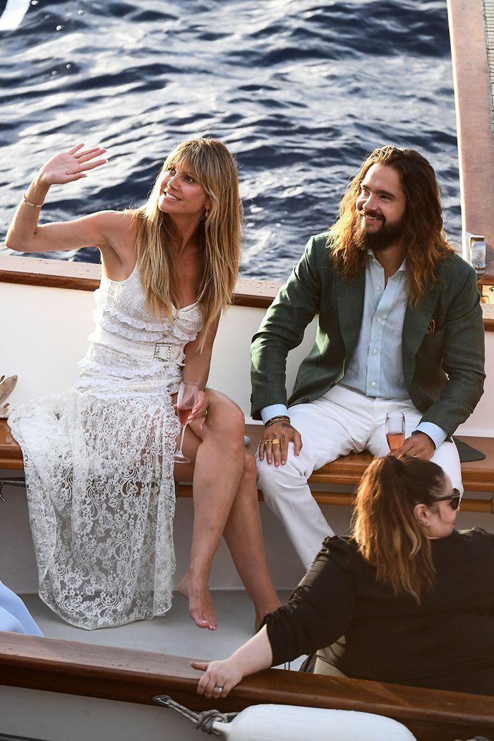 Heidi Klum Got Married In Italy Wearing The Trendiest Wedding Dress Heidi Klum Heidi Klum Style Trendy Wedding Dresses
