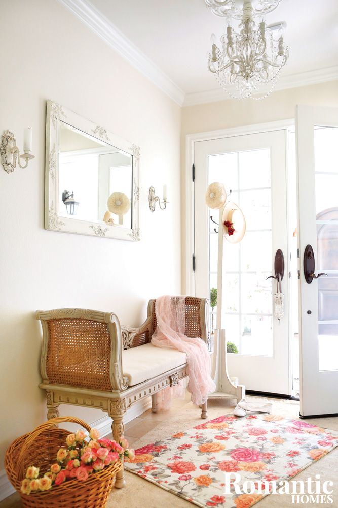 If You Love Vintage White Decor You Ll Love This Dreamy Home In Suburban Romantic Homesfloral