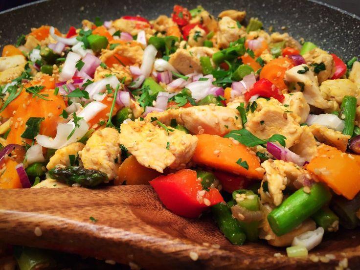 Csirkemell vele sült zöldségekkel