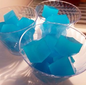 Jello shot cubes. No mess!