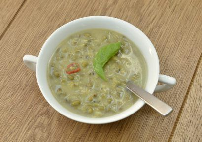 Detox soep, een soep vol reinigende kruiden - Healthy Vega