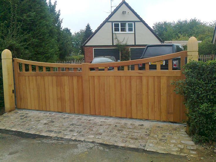 driveway gates   Wooden Driveway Gates installer