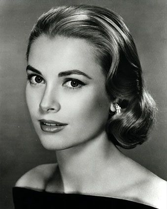 Grace Kelly with a look that would still be beautiful today. Source: http://www.classicactresses.com/Actress/Grace-Kelly/