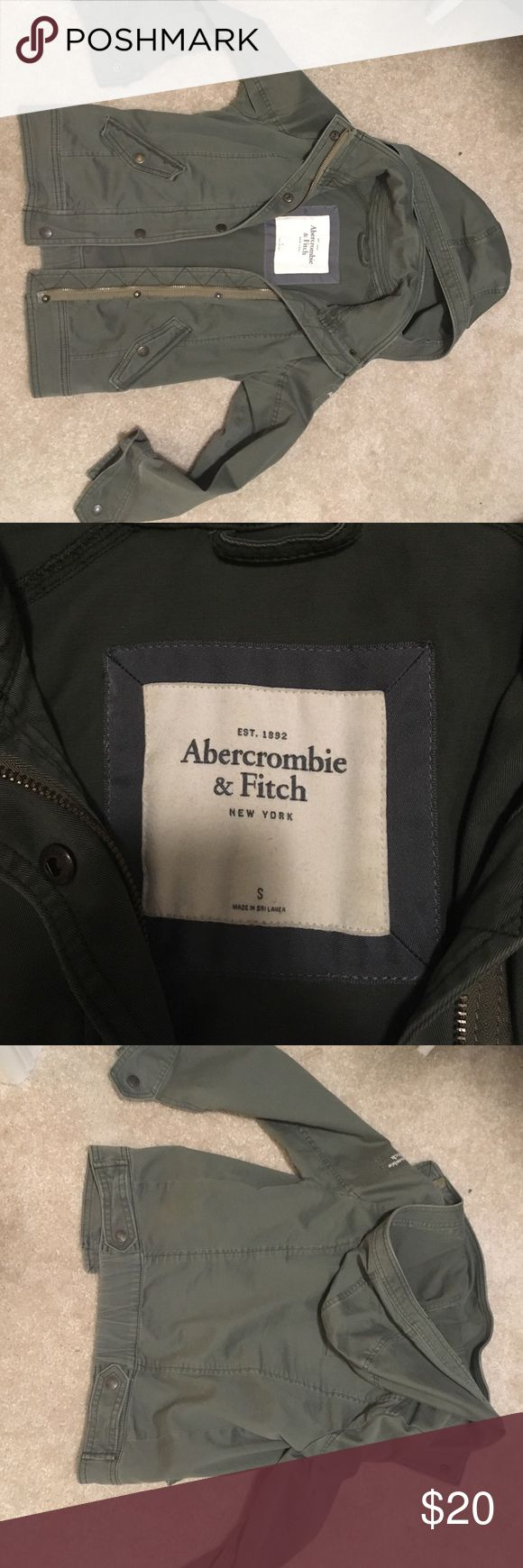Abercrombie and Fitch cargo jacket Green Abercrombie and fitch jacket, size s worn a handful of times. No tips tears or defects Abercrombie & Fitch Jackets & Coats