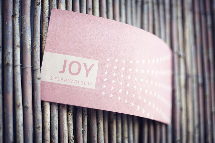 Geboortekaart op hout 1mm berkentriplex www.timberprint.nl #geboortekaart #meisje #fotoophout