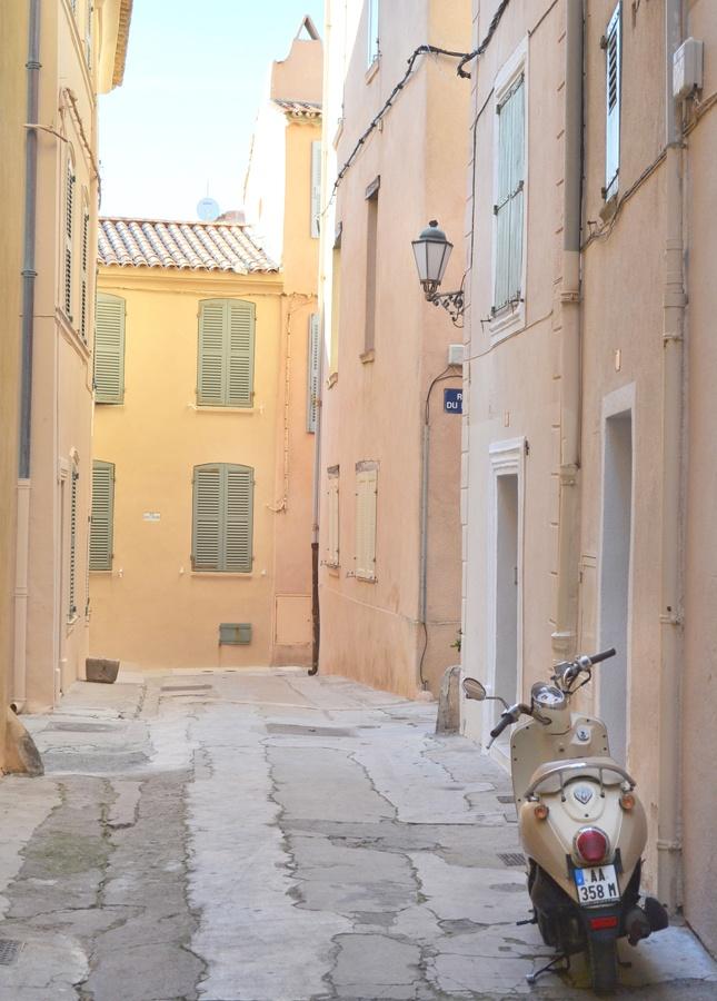 Saint Tropez couleurs pastel, Côte d'Azur