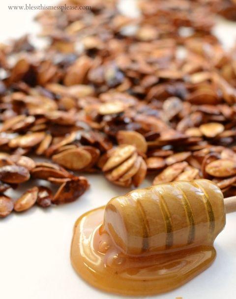 Honey Roasted Pumpkin Seeds with Cinnamon -healthy snacking!