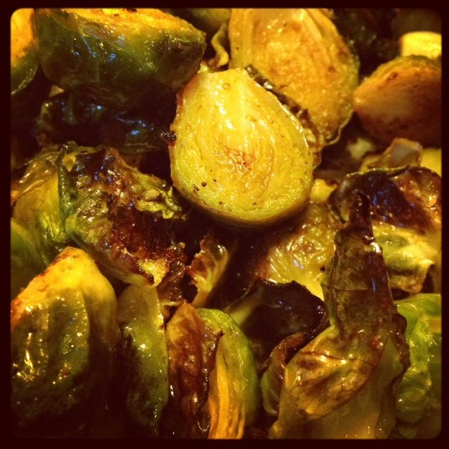 Simple Side Dish | Roasted Sriracha Brussels Sprouts