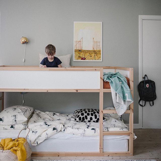 The Lovely Home Of Swedish Stylist Elin Odnegard Nordic Design Minimalist Kids Room Kids Rooms Shared Children Room Girl