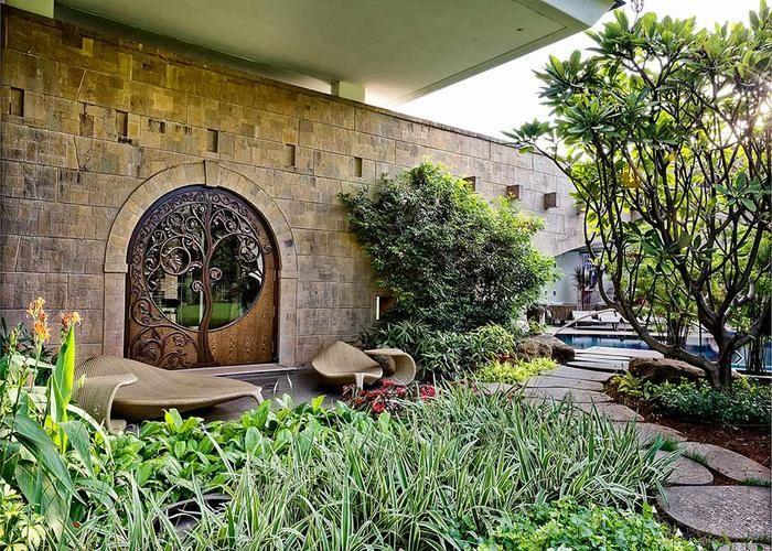 Garden #Tao #Architecture #door #design #treeoflife #walkway #gym
