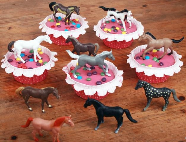 Small  horses are ideal for a birthday cupcake treat