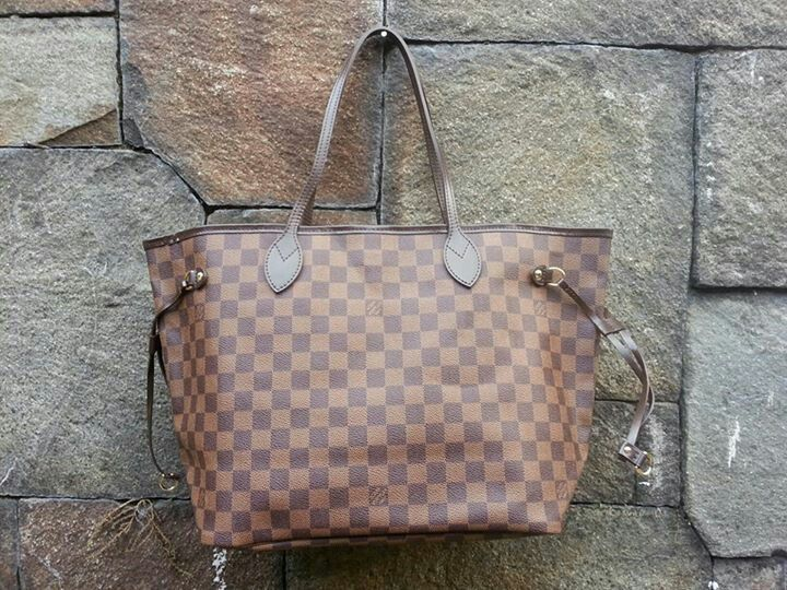 2nd : LV Neverfull size MM 2010, bag only - 6.7mio