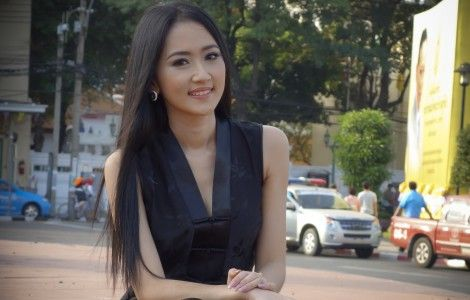 Beautiful Thai Asian Girl Photo On City
