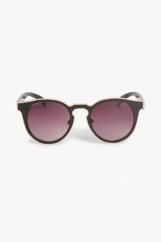 Monki Futuristic kitten sunglasses in Black